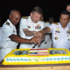 Cocktail Party Di Atas USS Fort Worth
